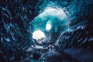 vatnajokull-glacier-cave