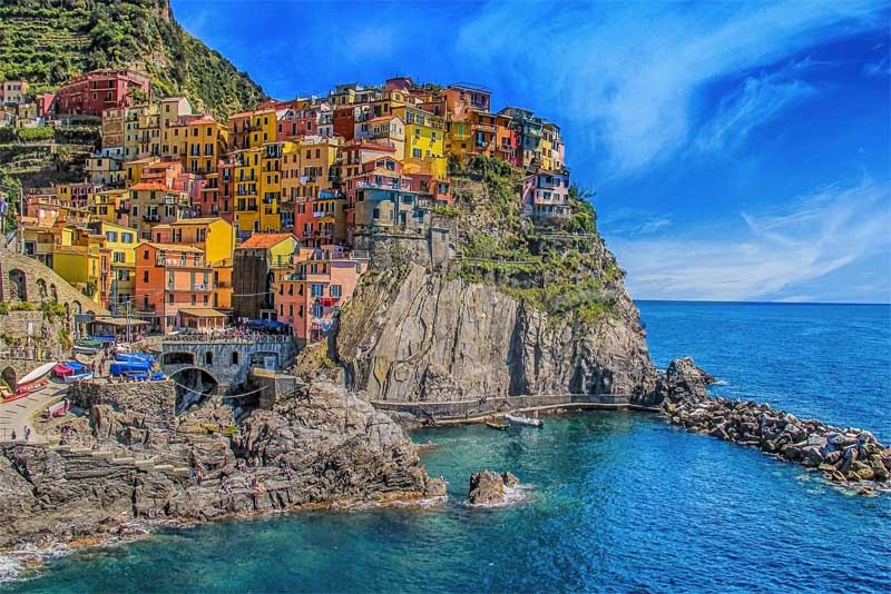 cinque-terre-beautiful-places-in-italy