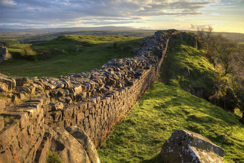 hadrians-wall-famous-walls-in-the-world