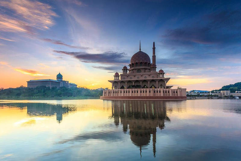 putra-mosques-dome-famous-domes