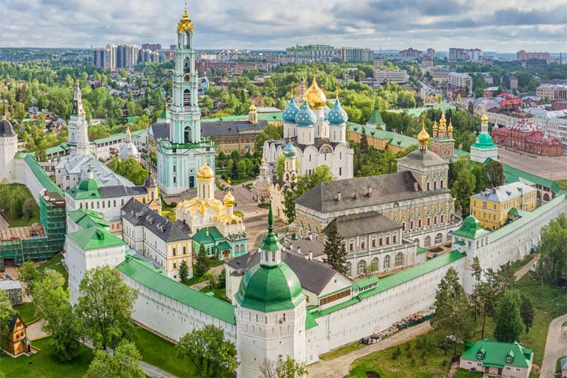 sergiyev-posad-beautiful-places-in-russia