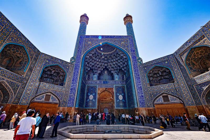 shah-mosque-famous-domes