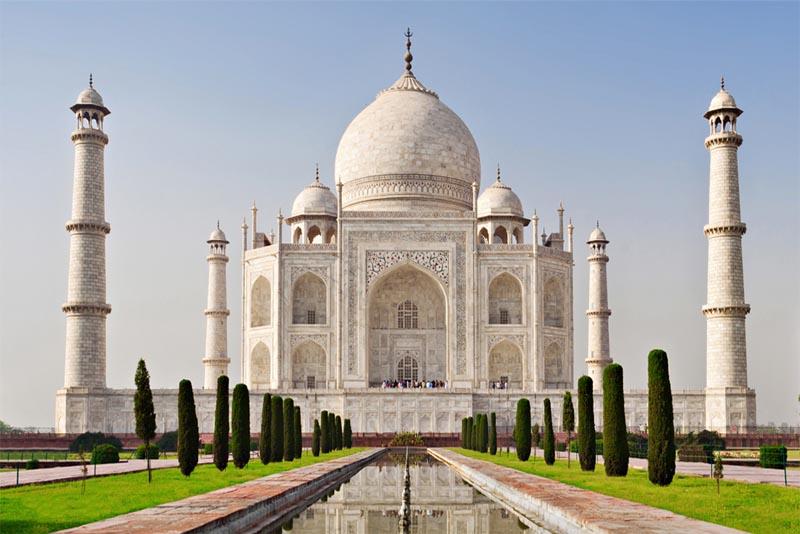 taj-mahals-dome-famous-domes