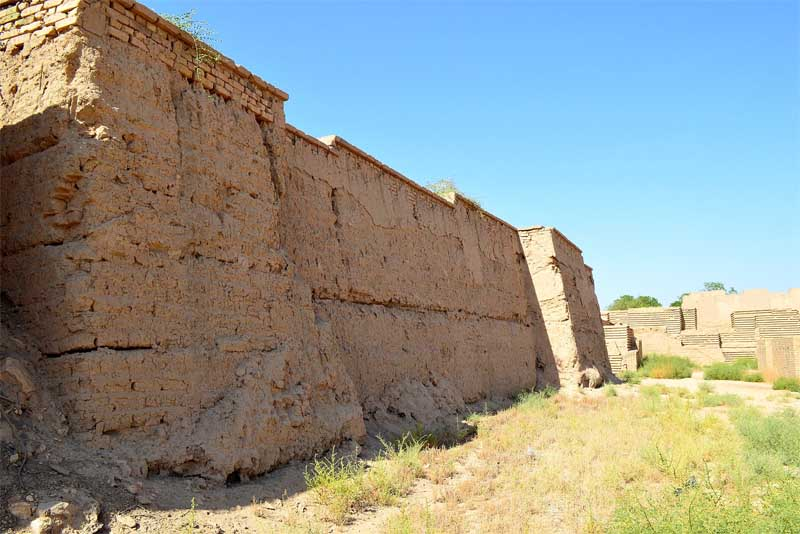 wall-of-babylon-famous-walls-in-the-world