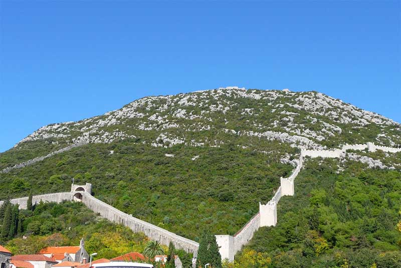 wall-of-ston-famous-walls-in-the-world