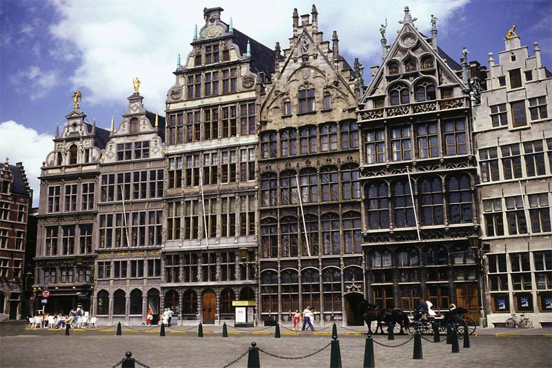 antwerp-beautiful-places-in-belgium