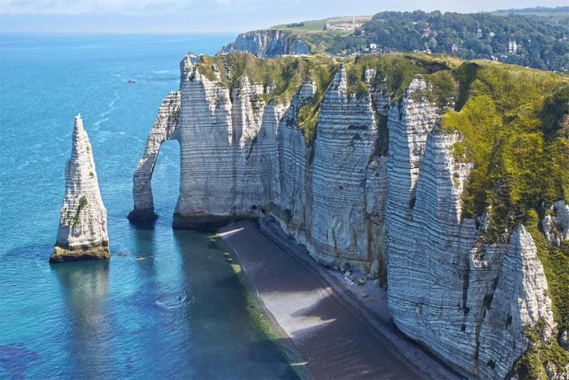etretat-sea-cliffs