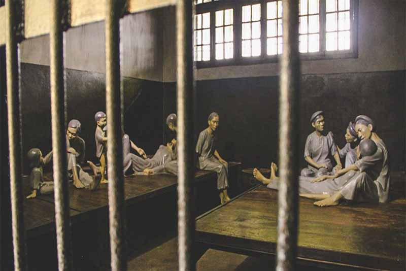 hanoi-hilton-historic-prisons