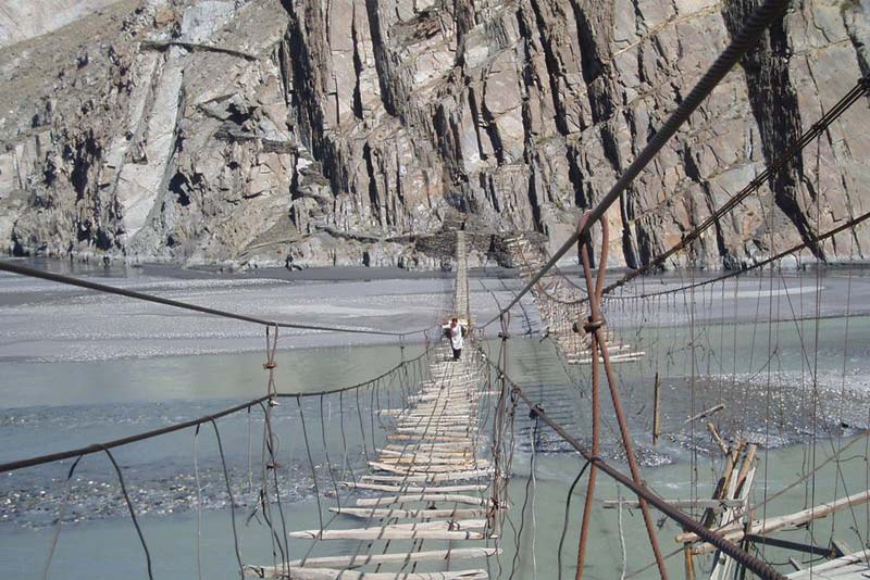 hussaini-hanging-bridge