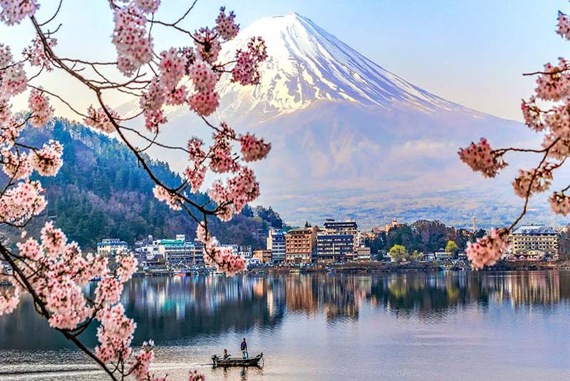 japan-peaceful-country