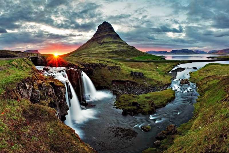 kirkjufellsfoss-waterfall-beautiful-places-in-iceland
