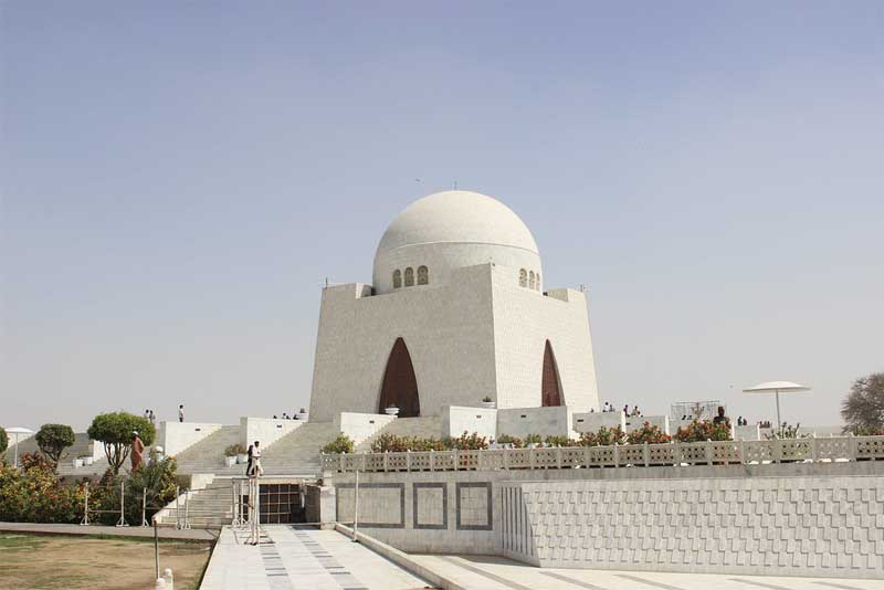 quaids-tomb-famous-tombs