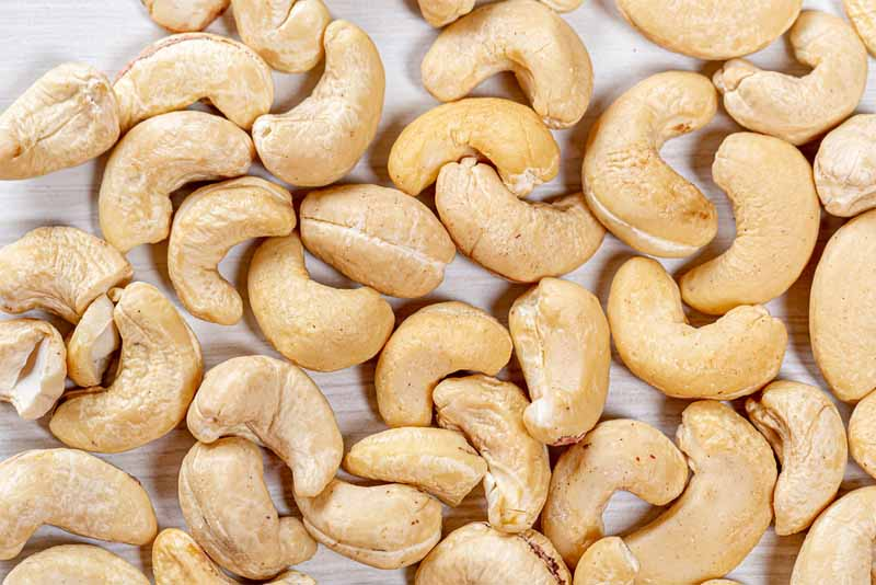 raw-cashews-deadly-fruits