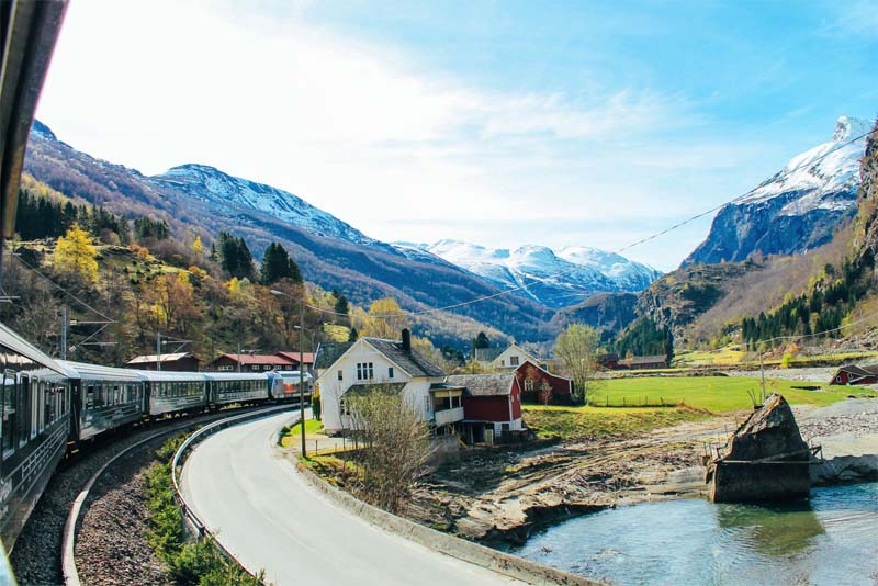scenic-rail-routes-norway