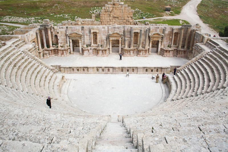 south-theater-of-jerash-historical-theaters