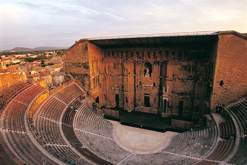 the-roman-theater-of-orange-historical-theaters