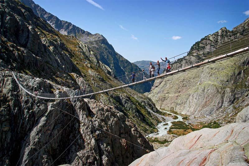 trift-suspension-bridge