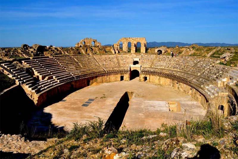 uthina-amphitheater