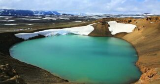 viti-lake-beautiful-places-in-iceland