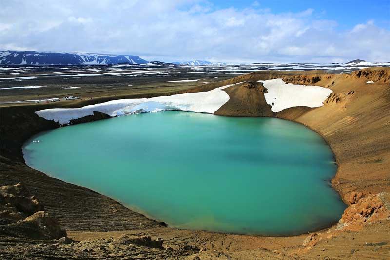 viti-lake-beautiful-places-in-iceland