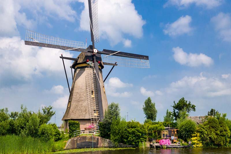 windmills-of-kinderdijk-beautiful-places-in-the-netherlands