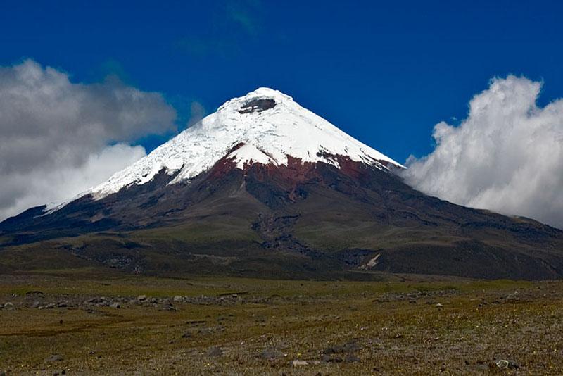 cotopaxi-famous-volcanoes