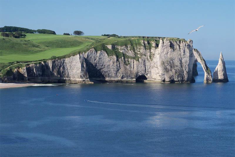 the-cliffs-of-etretat
